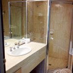Rydges Capital Hill Executive King Spa Suite Shower & Sink