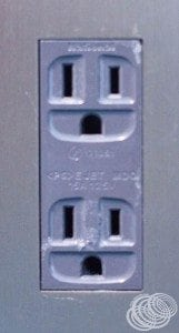 Grounded power outlets in Japan