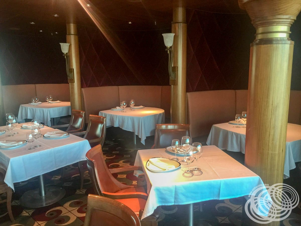 The Booths in Chops Grille on Radiance of the Seas