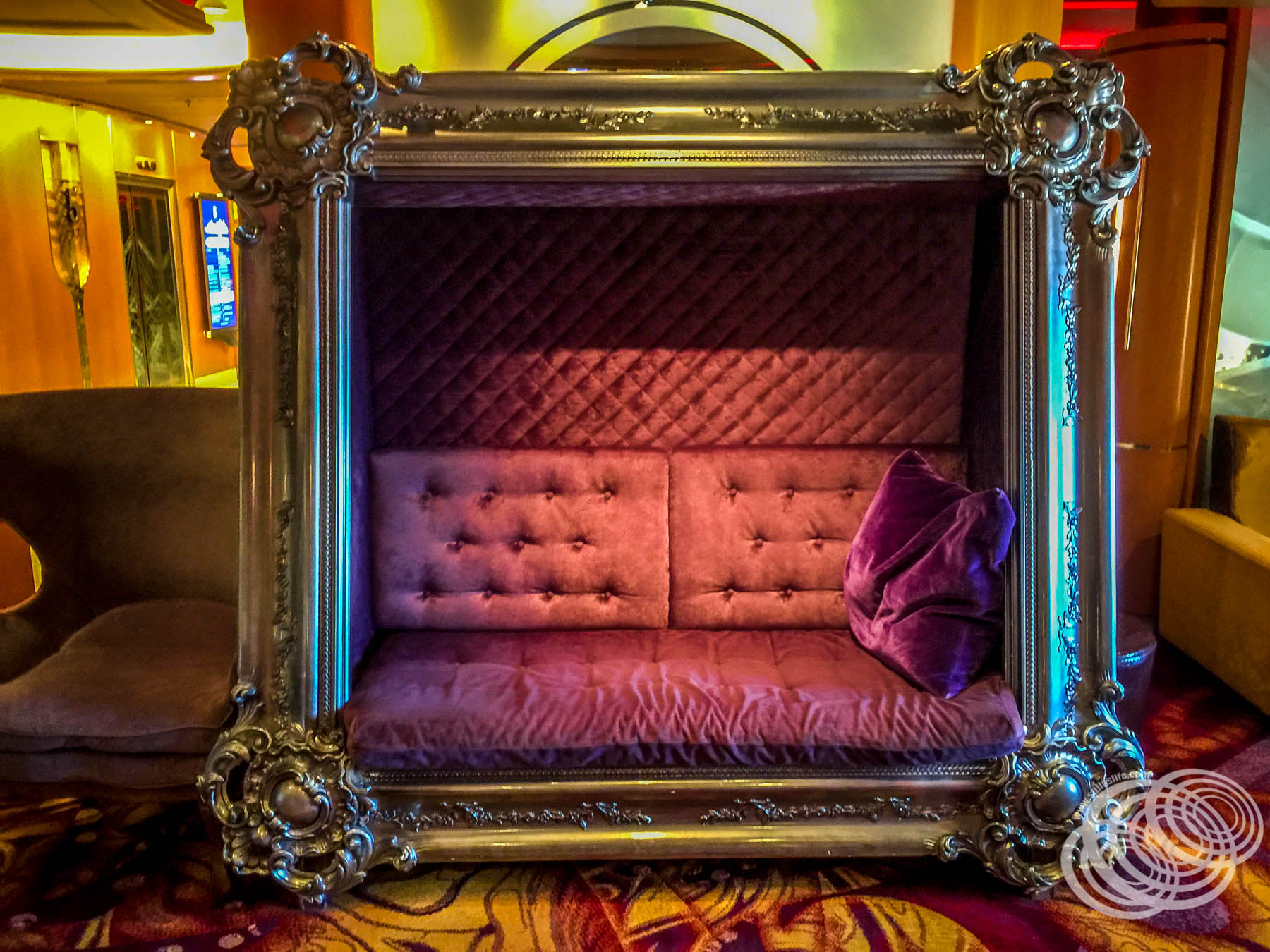 Get framed at the R Bar on Explorer of the Seas
