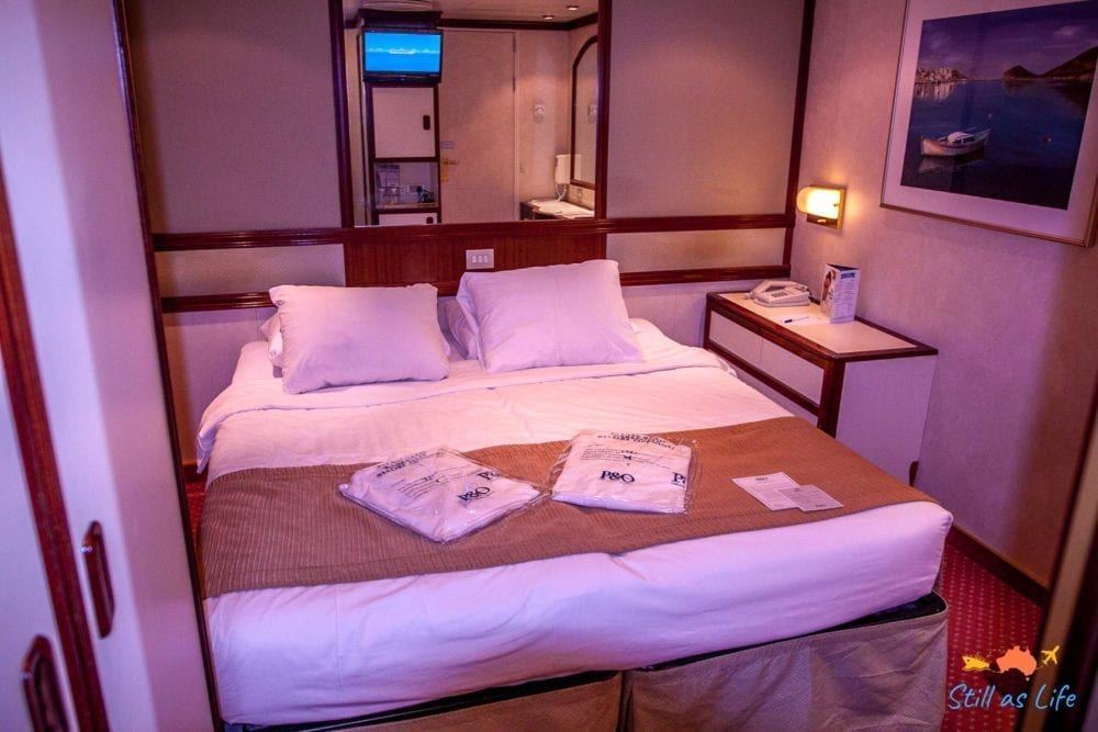 P&O Pacific Explorer Interior Stateroom Bed